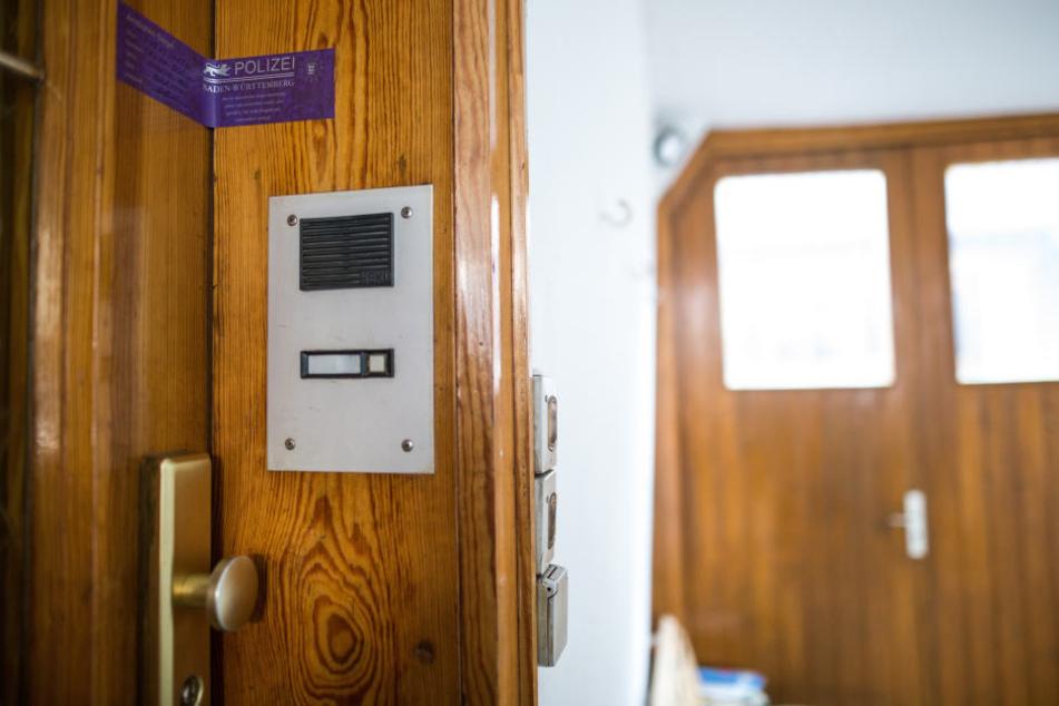 Hinter dieser Tür in Vaihingen wurden die Leichen der beiden Jungen gefunden.