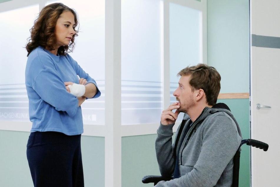 """In aller Freundschaft"": Patienten flirten heftig und Lea Peters' Sohn rennt vor Auto"