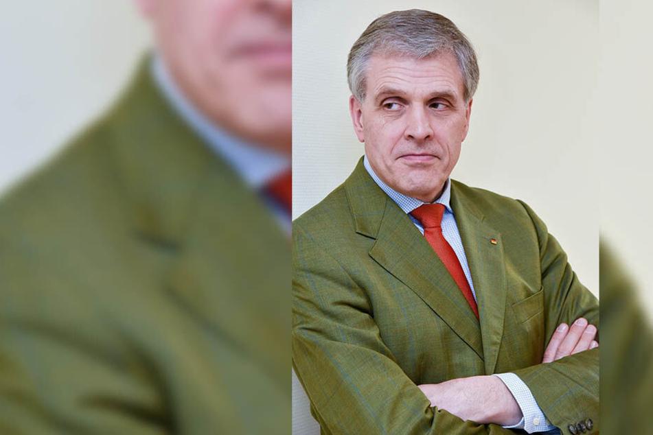 Landtagsabgeordneter Peter Patt (55, CDU) warnt vor dem Löcher-Slalom.