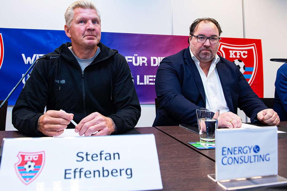 Stefan Effenberg wurde auf einer Pressekonferenz des KFC Uerdingen an der Seite von Präsident Mikhail Ponomarev (r.) als neuer Manager vorgestellt.