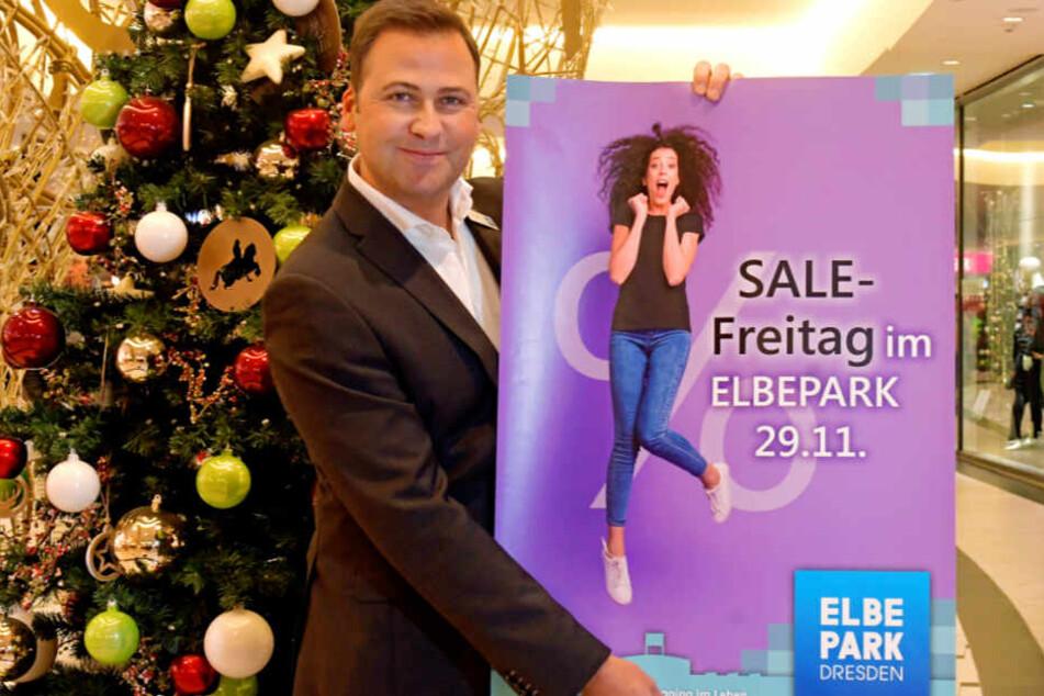 Superumsätze am Black Friday sind längst kein Internetphänomen mehr. Zu Gordon Knabe (44) in den Elbepark kommen fast 40 Prozent mehr Kunden zum Schnäppchenfassen.