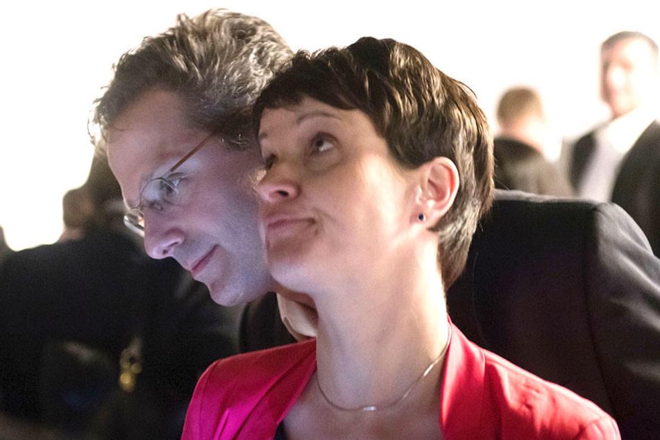 Auch Marcus Pretzell (hinten) und Frauke Petry (vorn) sind nach der Bundestagswahl bereits aus der AfD ausgetreten.