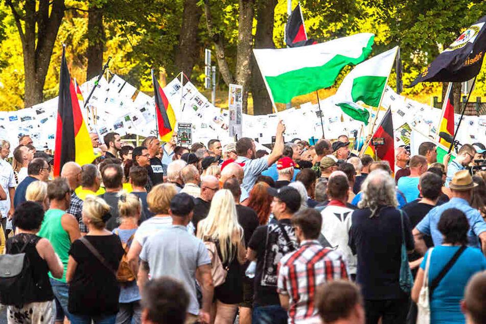 Ein Jahr nach tödlicher Messerattacke: So liefen die Demos am Sonntag in Chemnitz