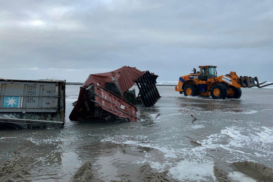 Einige der Container wurden an den Stränden der Nordsee angespült.