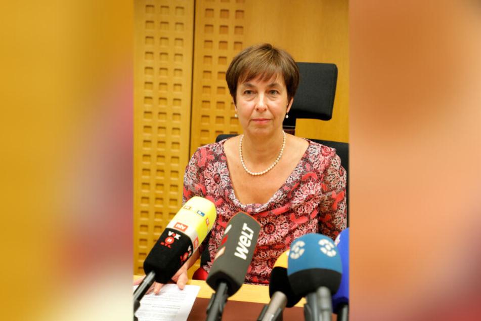 Der Chemnitzer Oberstaatsanwältin Ingrid Burghart war der Fauxpas eines Kollegen gestern hörbar peinlich.