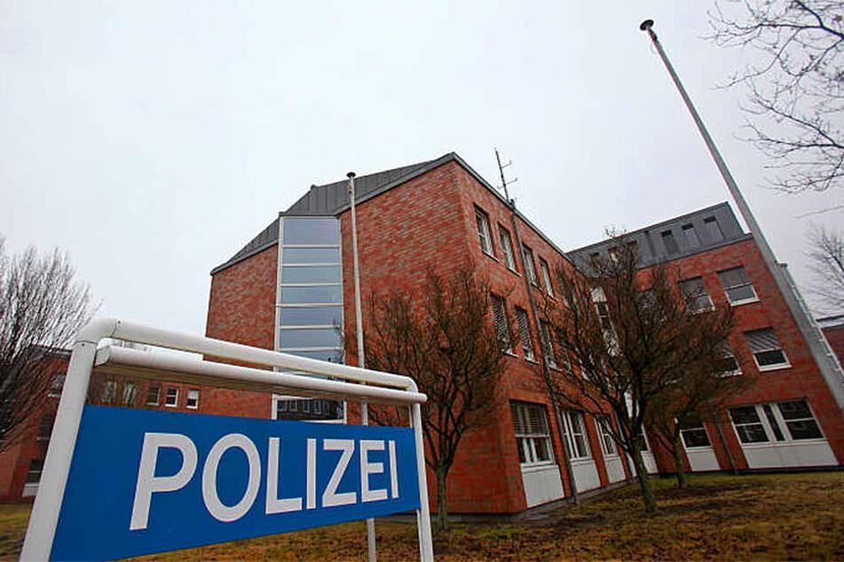 Kornelia Helmrich ist schon mehrfach vorbestraft und saß einige Male im Gefängnis. Bei der Polizei Bielefeld liegen mehrere Anzeigen gegen sie vor.