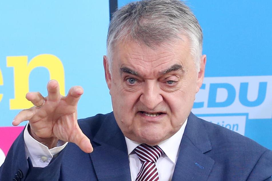 Für NRW-Innenminister Herbert Reul (66) ist die Rückkehr ehemaliger IS-Kämpfer mit deutschem Pass alternativlos.