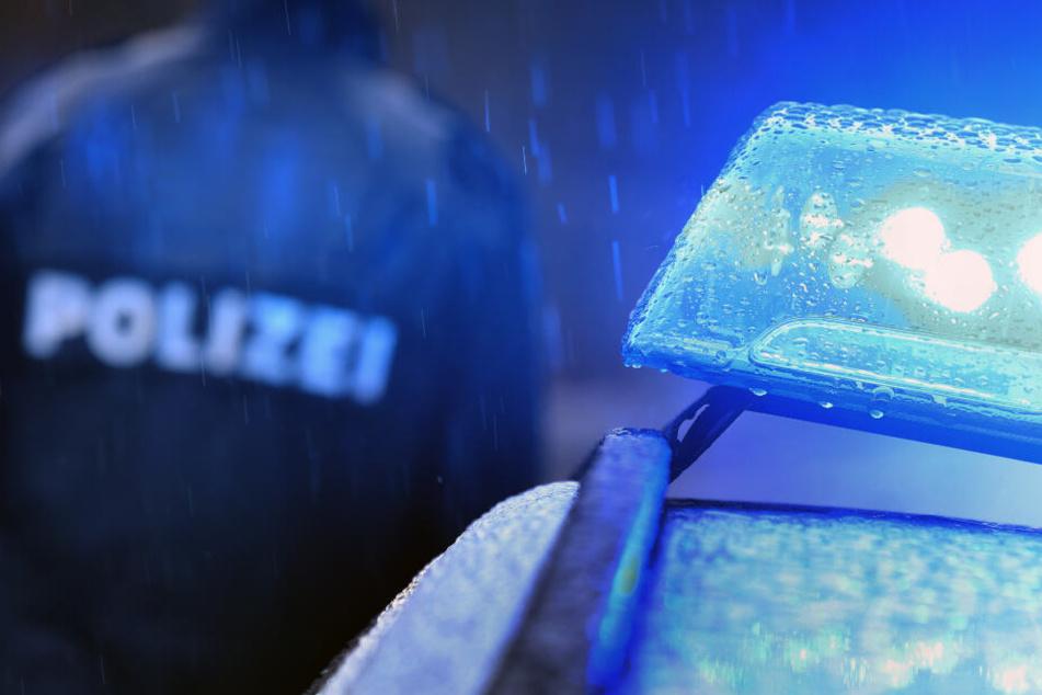 Die Polizei sucht nach dem Täter.