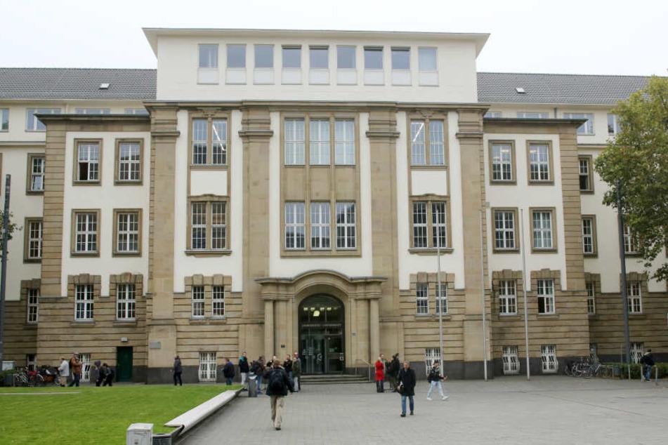 Das Landgericht Duisburg. Hier findet der Prozess statt.