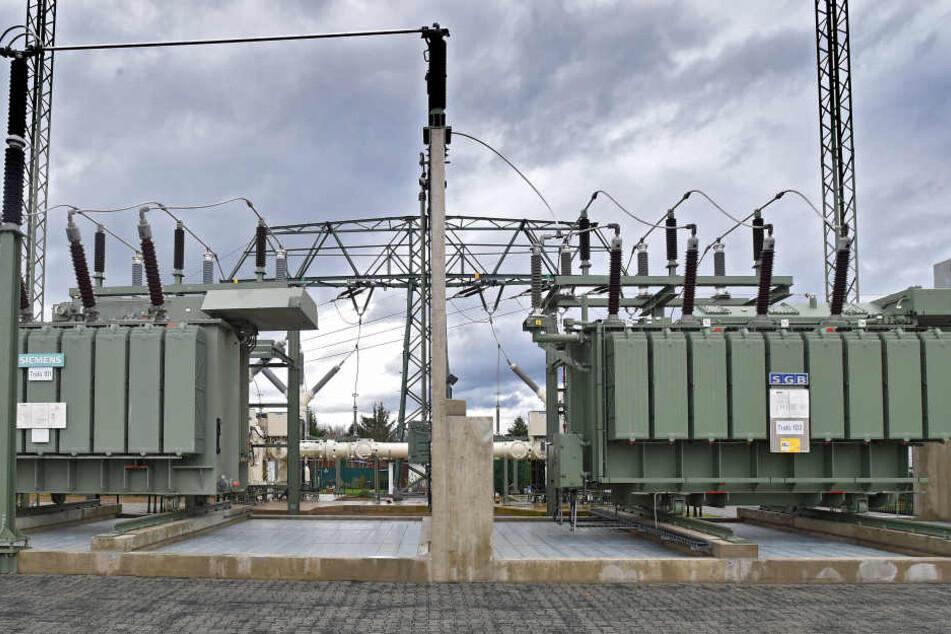 Auto knallt gegen Verteilerkasten: Stromausfall in Dresdner Südvorstadt