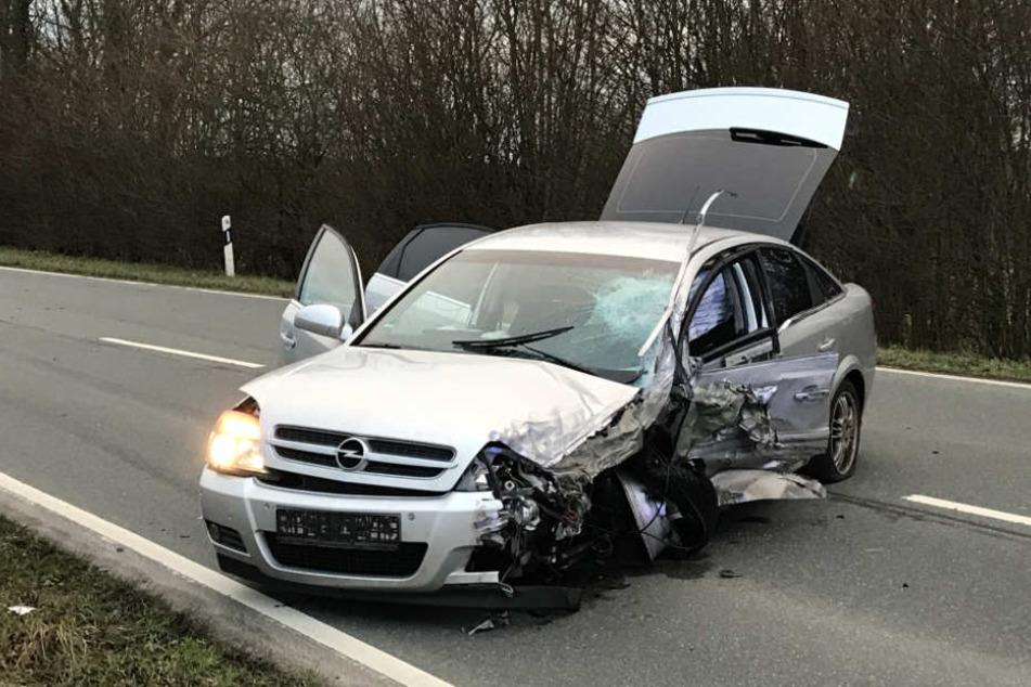 Insgesamt wurden vier Menschen durch die Fahrweise des Unfallverursachers verletzt.