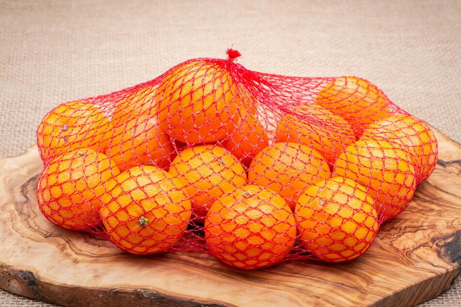 Wer Mandarinen im Netz und nicht lose kauft, sollte auf die einwandfreie Qualität jeder einzelnen Frucht achten.
