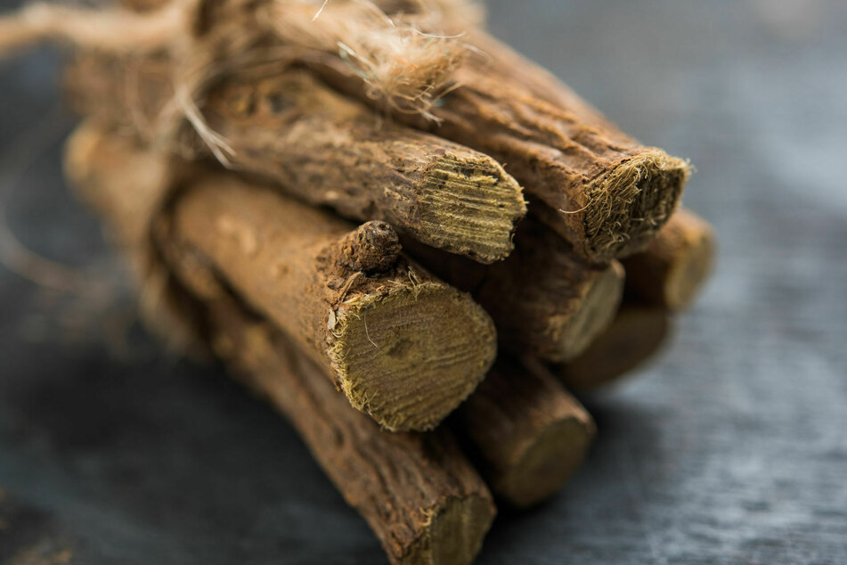 The glycyrrhizic acid contained in the licorice root can be dangerous.