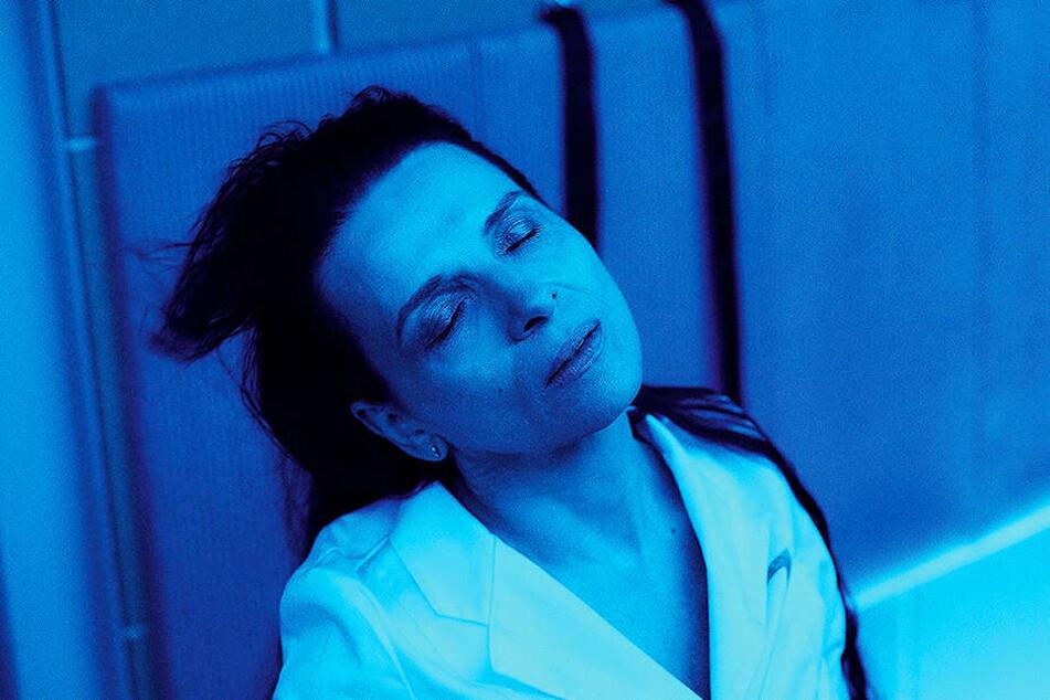 Juliette Binoche begeistert in der herausfordernden Rolle der Dr. Dibs.