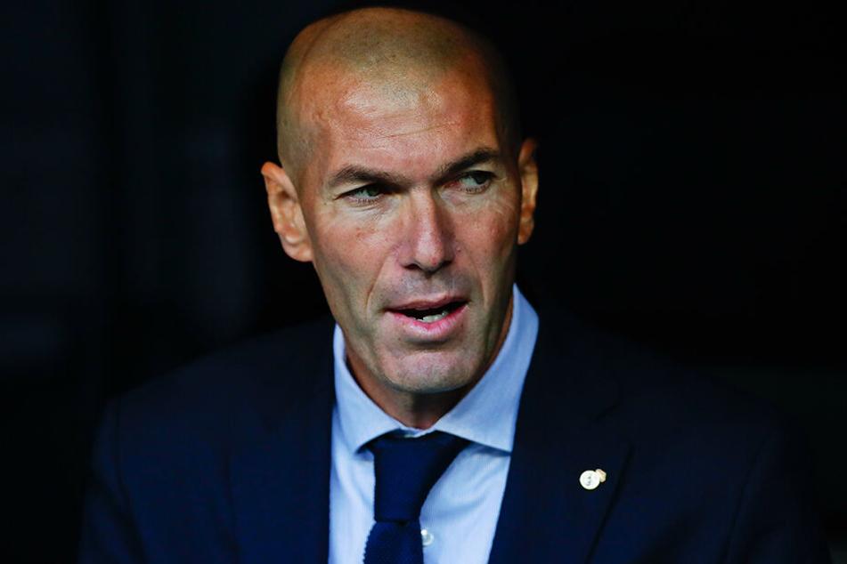 Zinedine Zidane steht nach dem Champions-League-Fehlstart von Real Madrid bereits mächtig unter Druck.