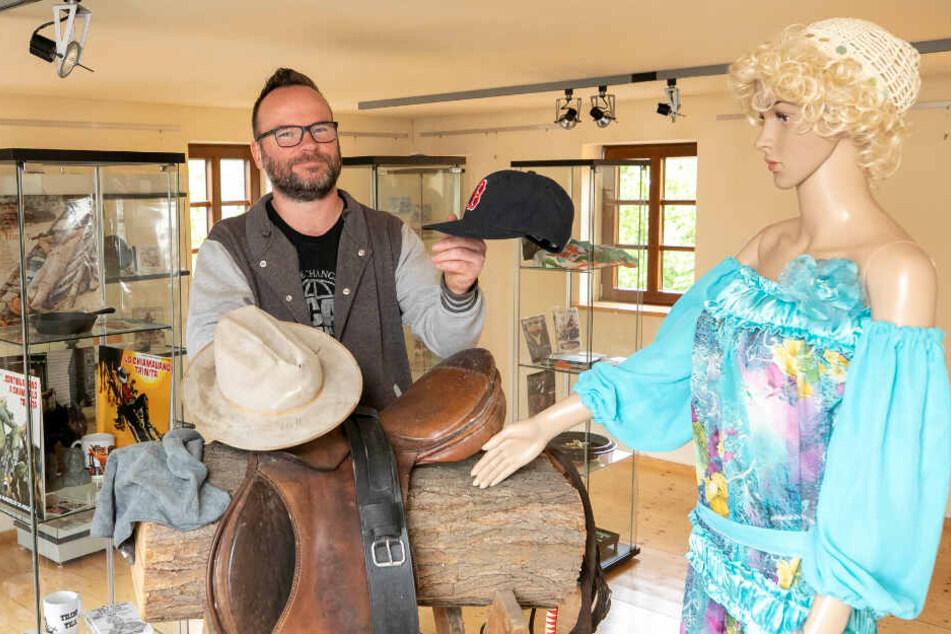 Museums-Betreiber Michael Maaß (45) in der Terence-Hill-Ausstellung. Wie es nach 2020 weitergeht, ist noch offen.