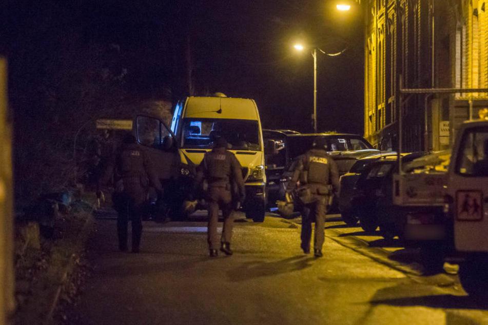 Schüsse auf Mercedes! SEK nimmt Tatverdächtigen fest