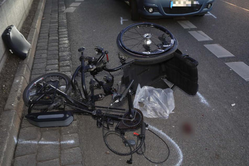 Der Fahrer wurde bei dem Verkehrsunfall schwer verletzt.