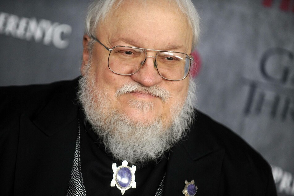 George R.R. Martin (71) shares some absurd stories from the filming of the pilot.