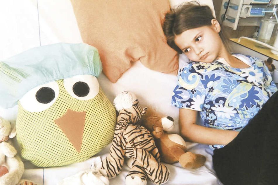 Auch im Krankenhausbett war Julia zum Glück nie ganz allein.