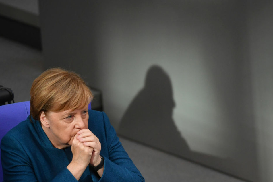 Hacker veröffentlichten Daten Hunderter Prominenter und Politiker - selbst von Kanzlerin Angela Merkel.