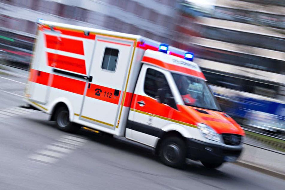 Die Polizei leitete am Donnerstagabend gegen einen Schwerverletzten ein Verfahren wegen Fahrens ohne Fahrerlaubnis ein.