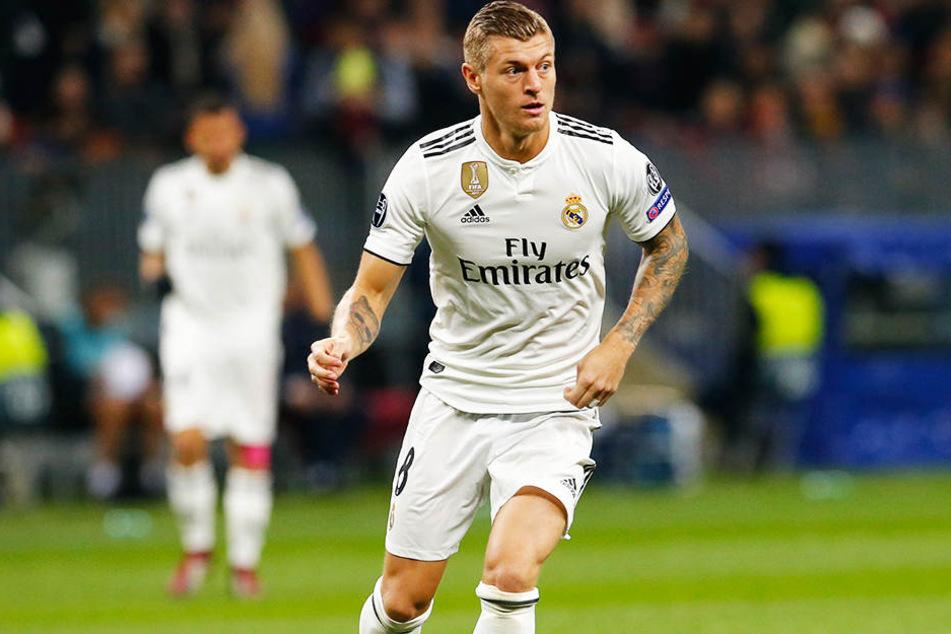 Leitete mit seinem schlimmen Fehlpass die Niederlage ein: Der deutsche Nationalspieler Toni Kroos hatte mit Real Madrid bei ZSKA Moskau (0:1) nicht seinen besten Tag erwischt.
