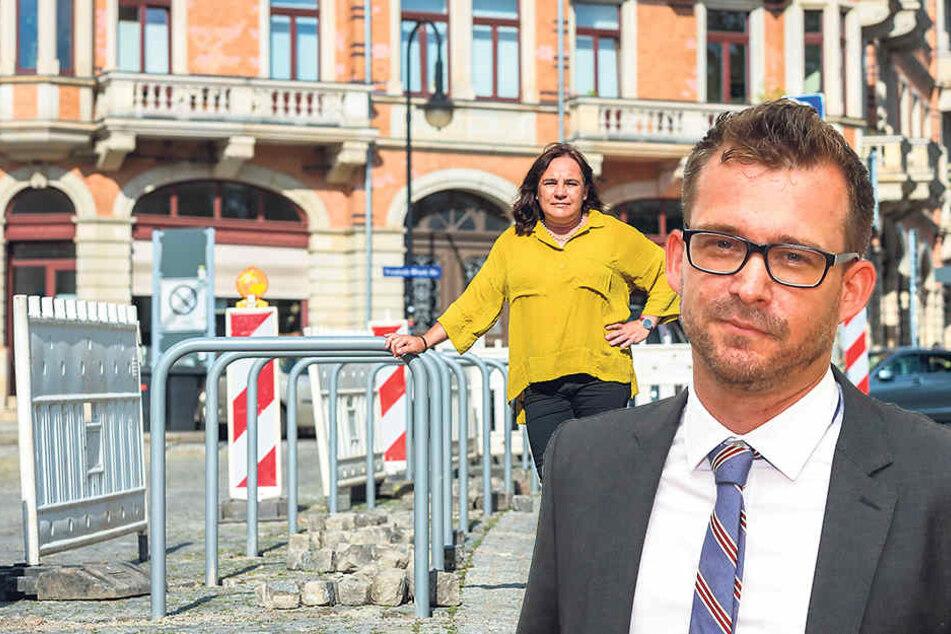 Kann endlich aufatmen: Weihnachtsmarkt-Chefin Heike Reichel (48).Baubürgermeister Raoul Schmidt-Lamontain (39, Grüne) bemühte sich nach einem  Rüffel durch OB Hilbert (44, FDP) um den Kompromiss.