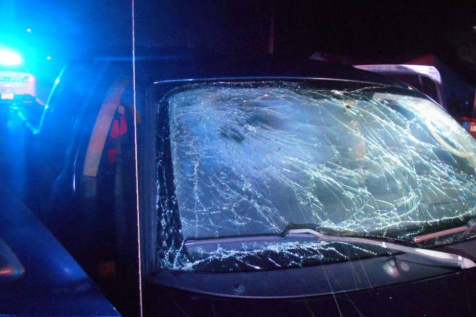 Nicht nur die Hand war nach dem Unglück kaputt, auch der Wagen hatte erheblichen Schaden genommen.