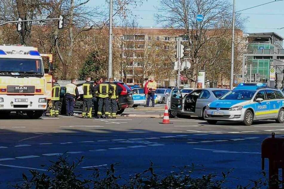 Auf der Kreuzung Harkortstraße/Martin-Luther-Ring stießen am Freitagvormittag ein BMW und ein Volvo zusammen.