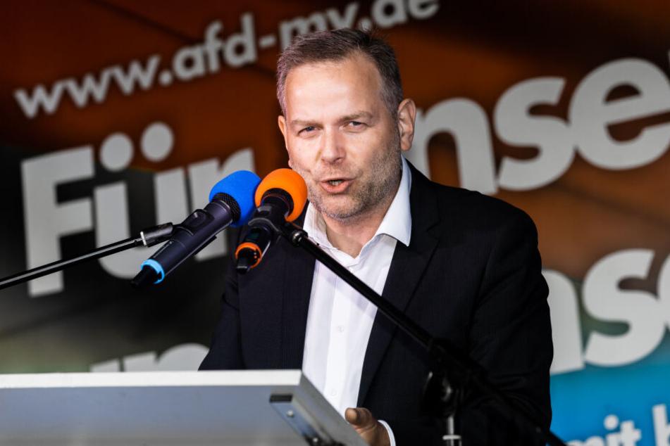 Leif-Erik Holm (AfD) spricht auf einer Wahlkampfversantaltung der AfD Mecklenburg-Vorpommern. Bei den beiden letzten Wahlen in Mecklenburg-Vorpommern wurde die AfD jeweils zweitstärkste Kraft.