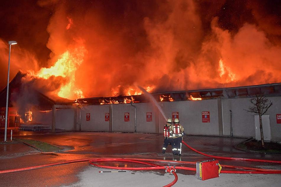 Bei dem Großbrand in Farchant ist ein Sachschaden von rund 1,5 Millionen Euro entstanden.