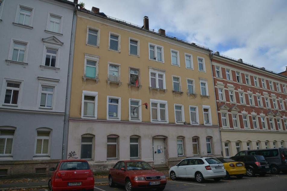Hier geschah die Bluttat: Im April stach Thomas F. im zweiten Stock des Mehrfamilienhauses in der Jakobstraße sein Opfer nieder.