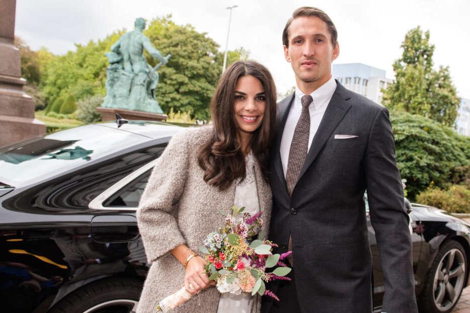 Lilli Hollunder ist die Ehefrau von Fußball-Profi René Adler. Das Paar heiratete 2016.