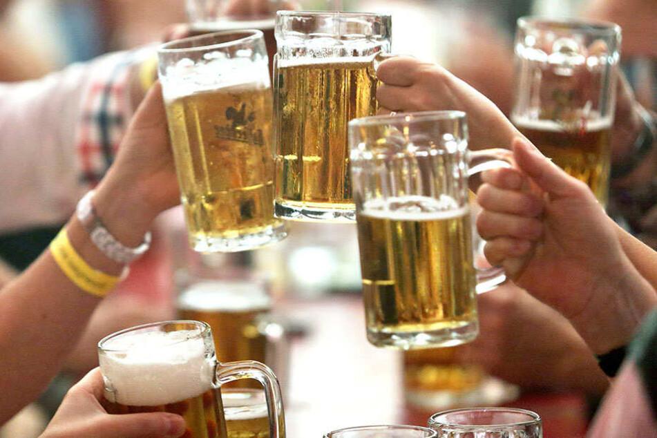 """""""Nur ein Bier"""" - oftmals ist das """"harmlose"""" eine Glas Grund für schlimme Unfälle."""