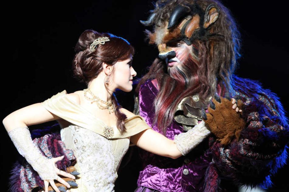 Auf den Bühne tanzte Belle mit ihrem Biest, im Zuschauerraum ging es nicht so schön zu. (Archivbild)