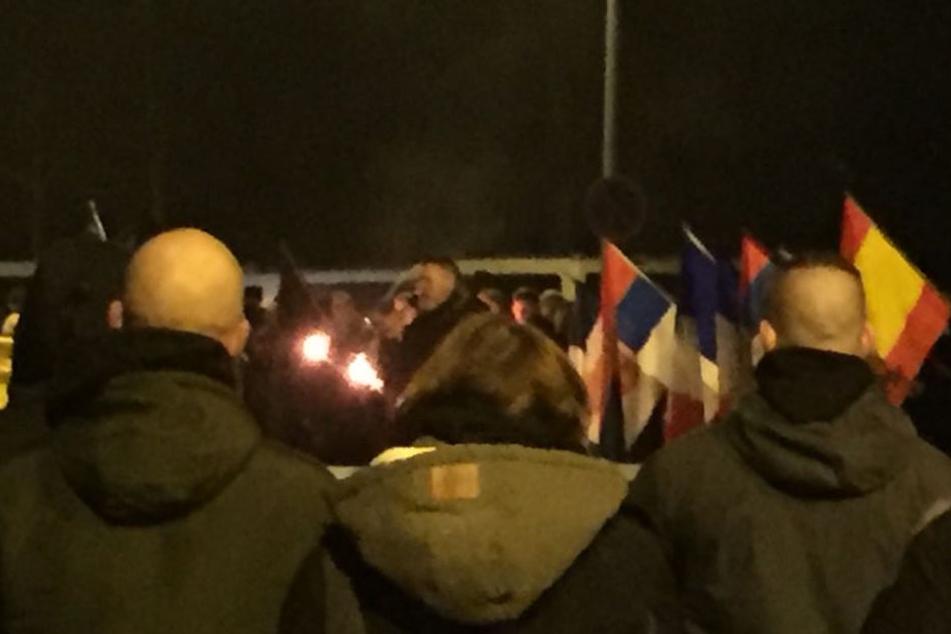 18.15 Uhr: Der letzte Redner ist Thorsten Heise (er veranstaltet das Nazi-Festival in Ostritz).