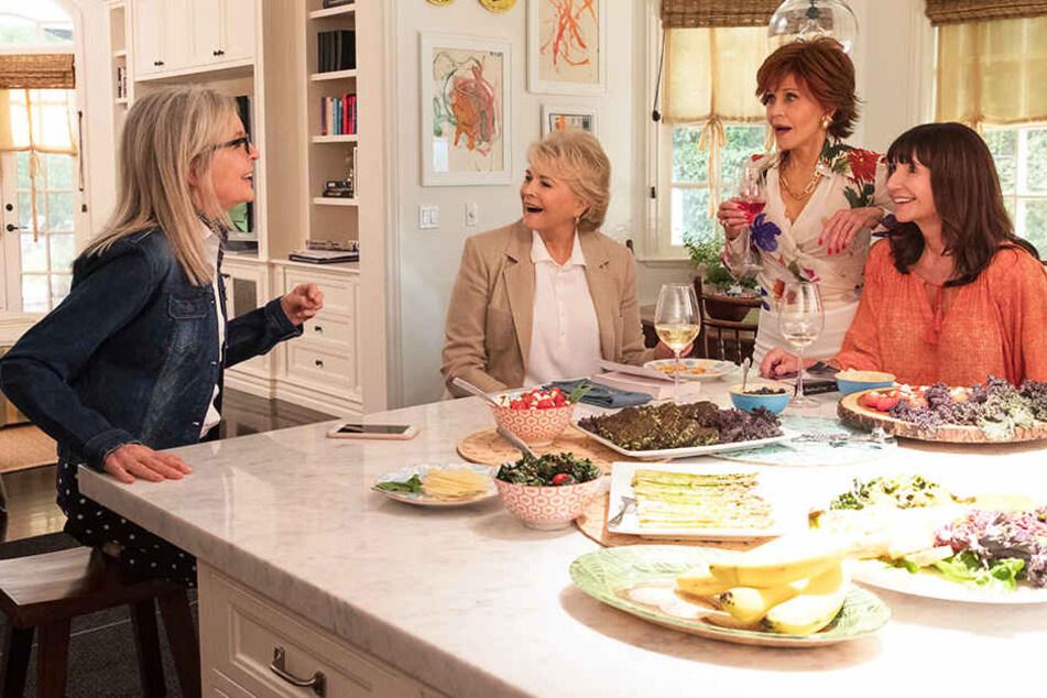 """Furchtbar unlustig und stellenweise peinlich: """"Book Club - Das Beste kommt noch"""" mit Diane Keaton (l.), Candice Bergen (Zweite von links), Jane Fonda (Zweite von rechts) und Mary Steenburgen (r.)."""