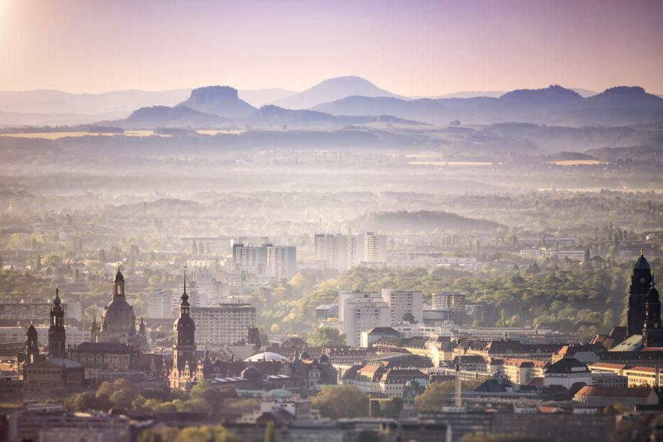 Bewerbung mit Weitblick: Schon dieser herrliche Blick über die Dächer von Dresden bis in die Sächsische Schweiz wäre den Titel wert.