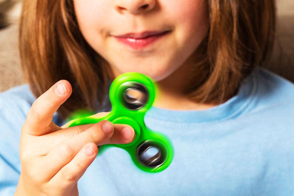 Die beliebten Kreisel sind weltweit in Millionen Kinderzimmern zu finden.