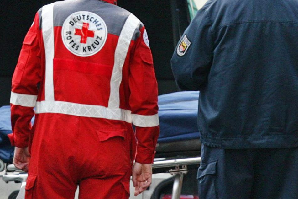 Die 74-jährige Autofahrerin konnte nur noch tot geborgen werden (Symbolbild).