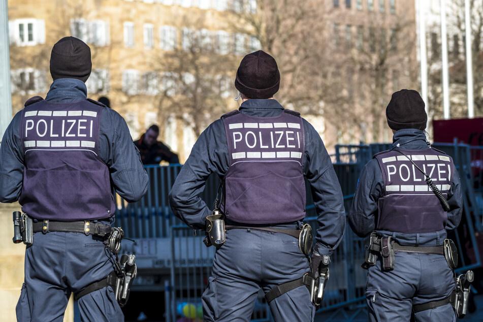 Die Polizei nahm bei der Großrazzia am Dienstag in NRW und Hessen sechs Personen fest (Symbolbild).