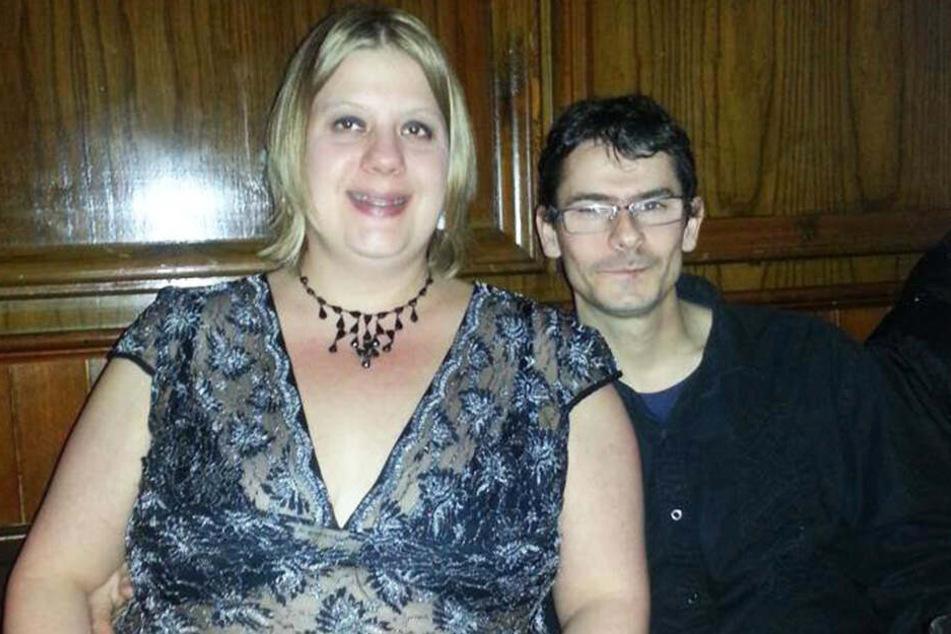 Karina Dunfords (35) Ehemann Ian verschwand auf Fotos mit seiner Frau fast ein wenig.