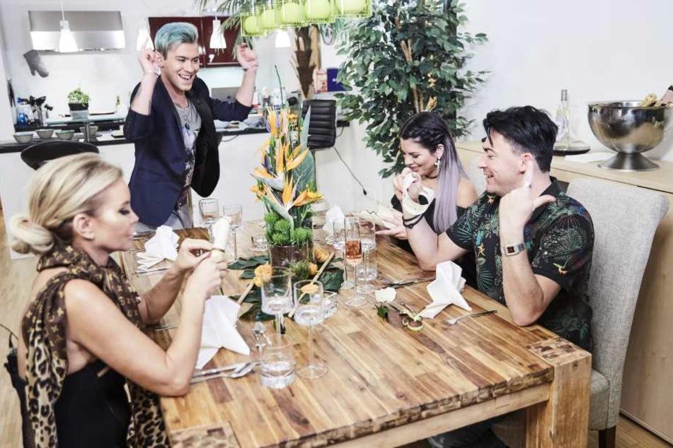 "Am 1. April ist die Katzenberger-Schwester bei ""Das perfekte Promi-Dinner"" mit Tatjana Gsell, Daniele Negroni und Matthias Mangiapane (v.l.n.r.) zu sehen."