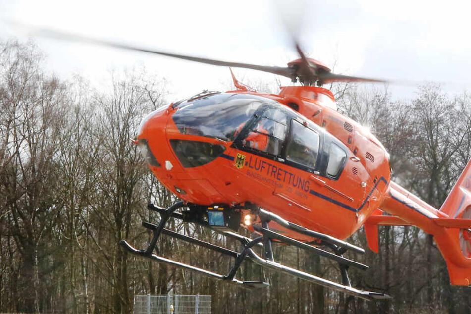 Das Kind wurde mit dem Rettungshubschrauber in eine Klinik geflogen. (Symbolbild)