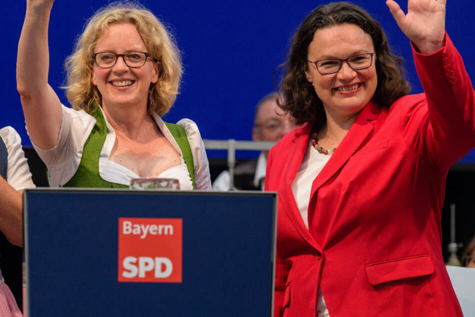 SPD-Chefin Andrea Nahles (r.) reist im Zuge des Landtagswahlkampfes nach Bayern.