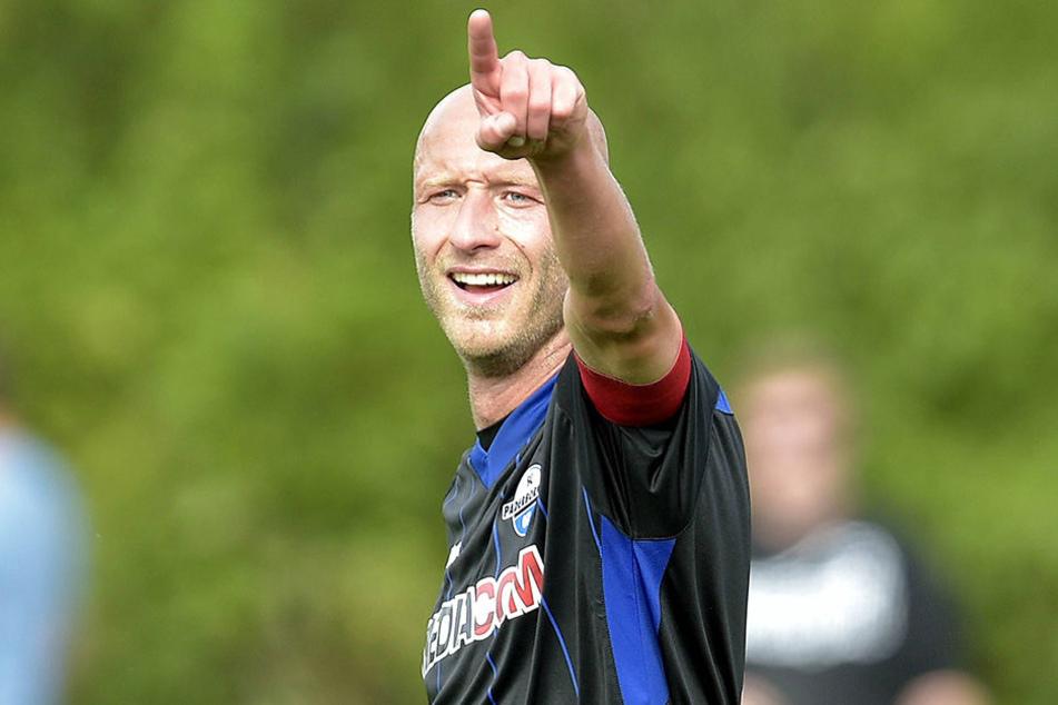 Tim Sebastian (33) ist seit Januar 2016 beim SC Paderborn und inzwischen Kapitän des Clubs.