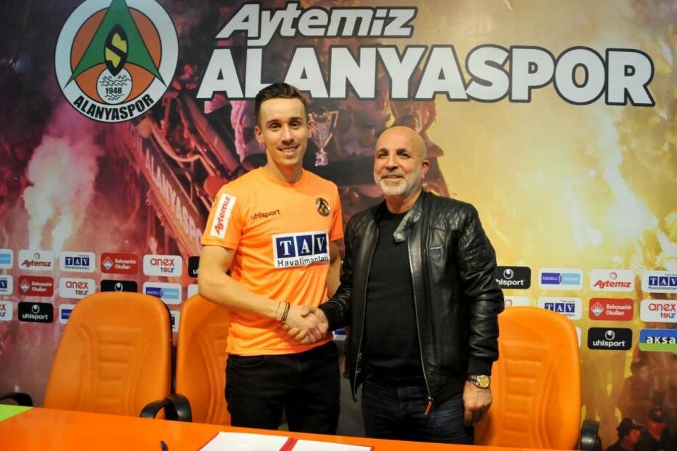 Sural bei seiner Vorstellung bei Aytemiz Alanyaspor.