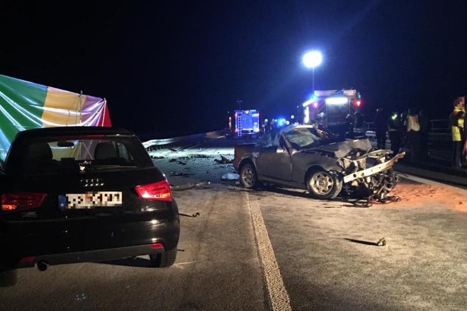 Falschfahrer auf Autobahn stirbt bei Unfall auf A7