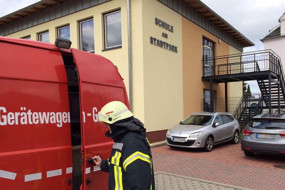 Die Feuerwehren sind vor Ort.